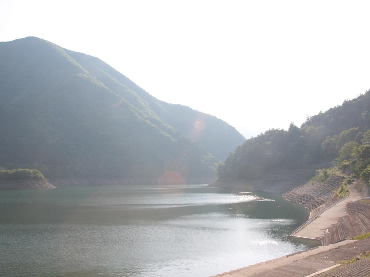 接岨湖の風景