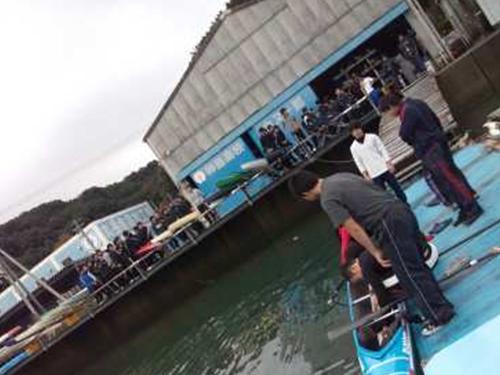 艇庫と桟橋