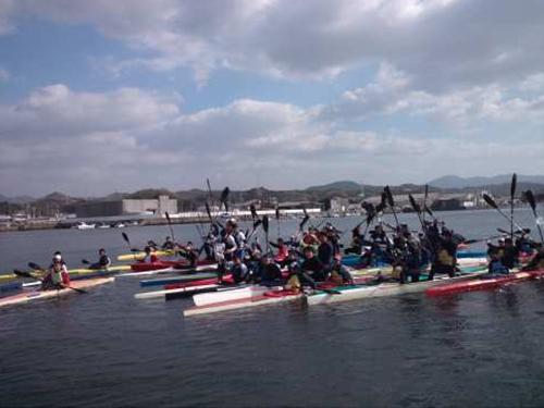 新年初漕ぎ会で記念撮影