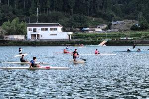 川口ダム湖での練習風景