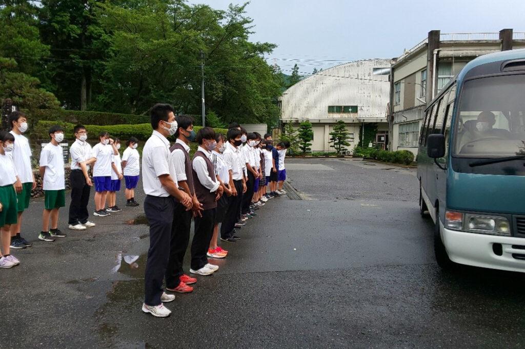 平日のバス移動の様子